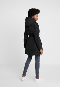 Anna Field - Trench - black - 2