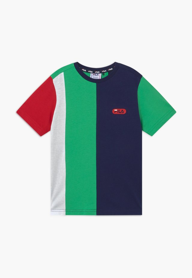 BILL BLOCKED TEE - Triko s potiskem - black iris/true red/ginko green/bright white