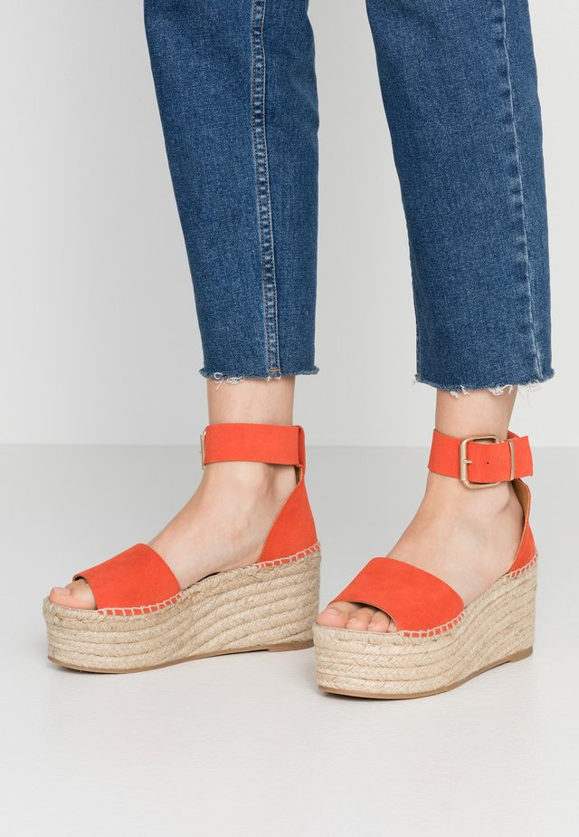 KARMEN - Espadrilles - orange