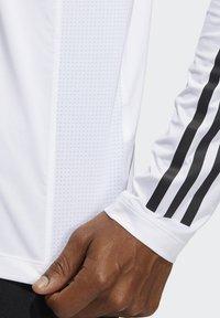 adidas Performance - 3 STRIPES PRIMEGREEN TECHFIT SPORTS LONG SLEEVE T-SHIRT - Camiseta de manga larga - white - 3