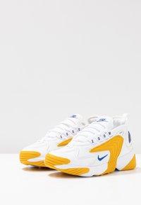 Nike Sportswear - ZOOM 2K - Trainers - white/game royal/dark sulfur - 4