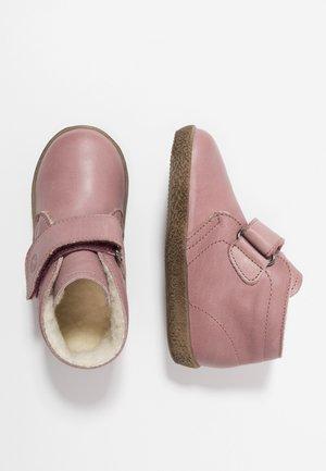 CONTE ORCHIDEA - Baby shoes - antico