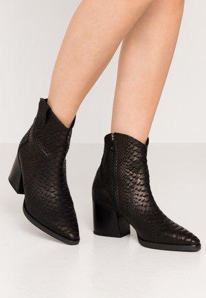 CHARLET - Cowboy/biker ankle boot - schwarz tomas