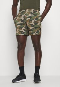 Jack & Jones Performance - JCOZWOVEN CAMO - Sports shorts - forest night - 0