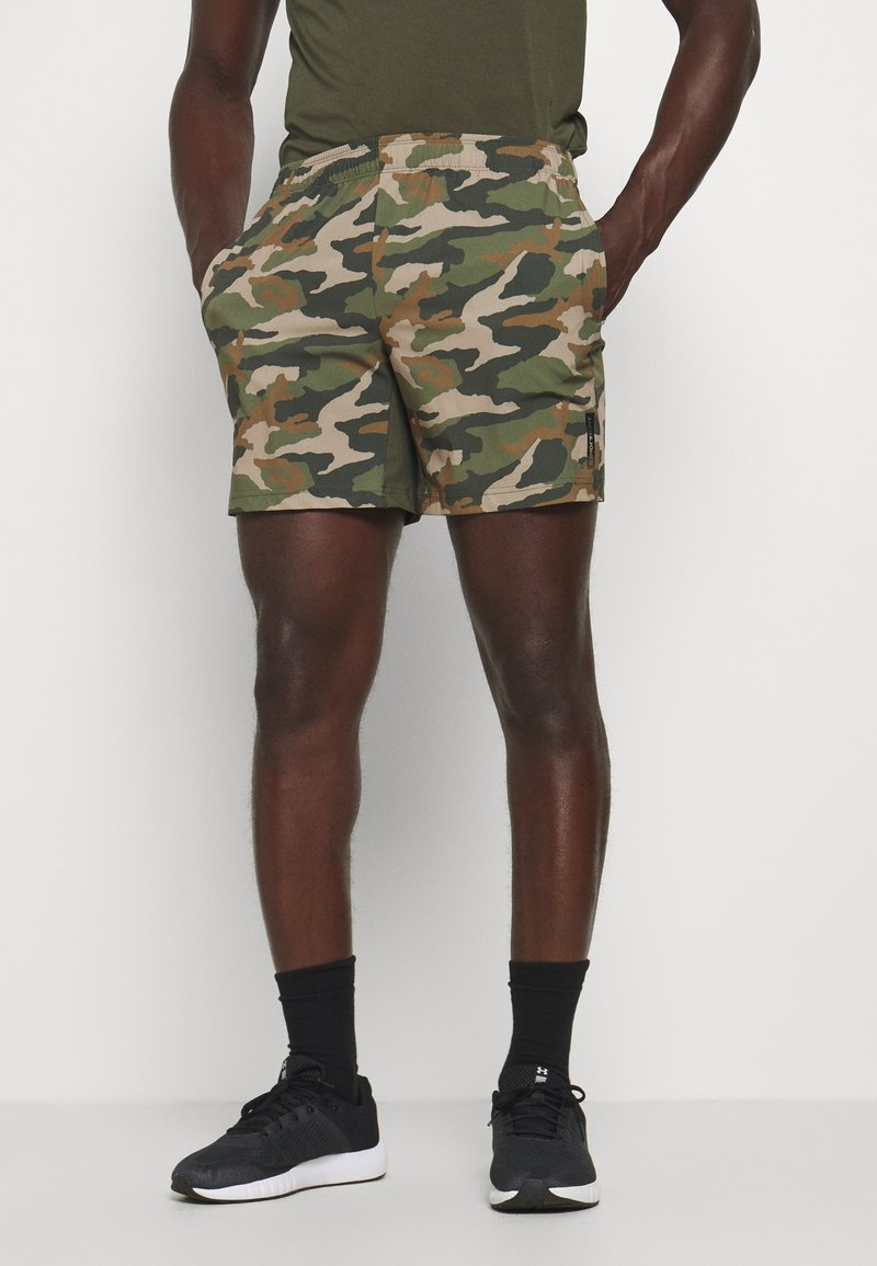 Jack & Jones Performance - JCOZWOVEN CAMO - Sports shorts - forest night
