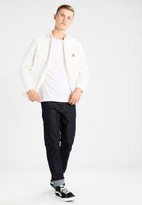 Carhartt WIP - TONY UTAH - Shirt - wax rigid - 1