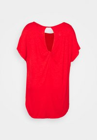 CAPSULE by Simply Be - TWIST BACK DETAIL - T-shirts - bright red - 6