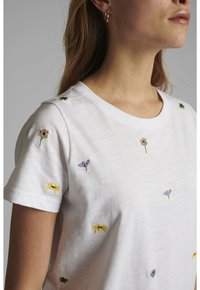 Nümph - NUCAROL - Print T-shirt - bright white - 2