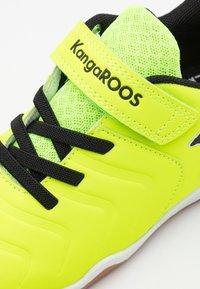 KangaROOS - SPEED COMB - Trainers - neon yellow/jet black - 5
