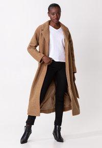 Indiska - Classic coat - camel - 1