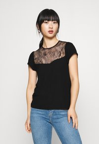 Even&Odd Petite - T-shirts med print - black - 0