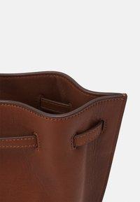 Marc O'Polo - GULIA - Tote bag - maroon brown - 3