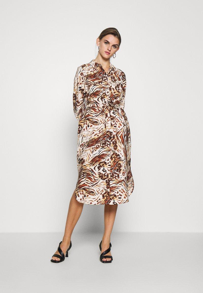 Object - OBJEMERSON DRESS   - Shirt dress - sandshell/vild