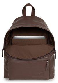 Eastpak - PAKR - Rucksack - brown authentic leather - 2