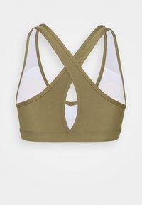 Roxy - HEROS  - Medium support sports bra - covert green - 7