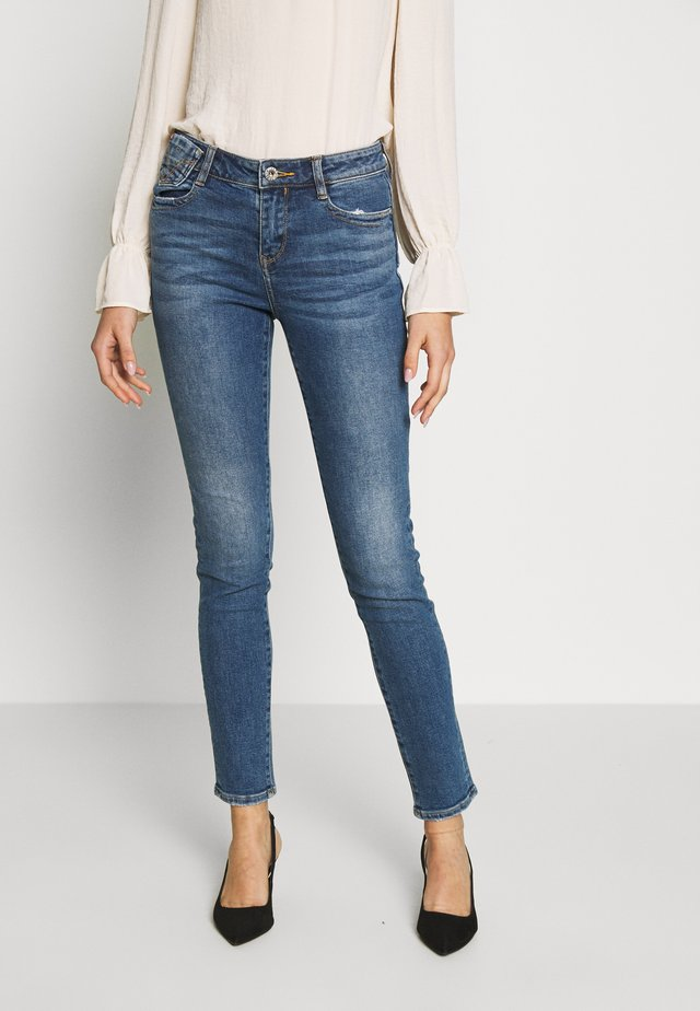 MY MAGIC CROPPED - Jeansy Skinny Fit - light blue