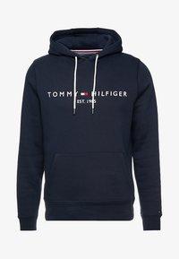 Tommy Hilfiger - LOGO HOODY - Bluza z kapturem - blue - 4