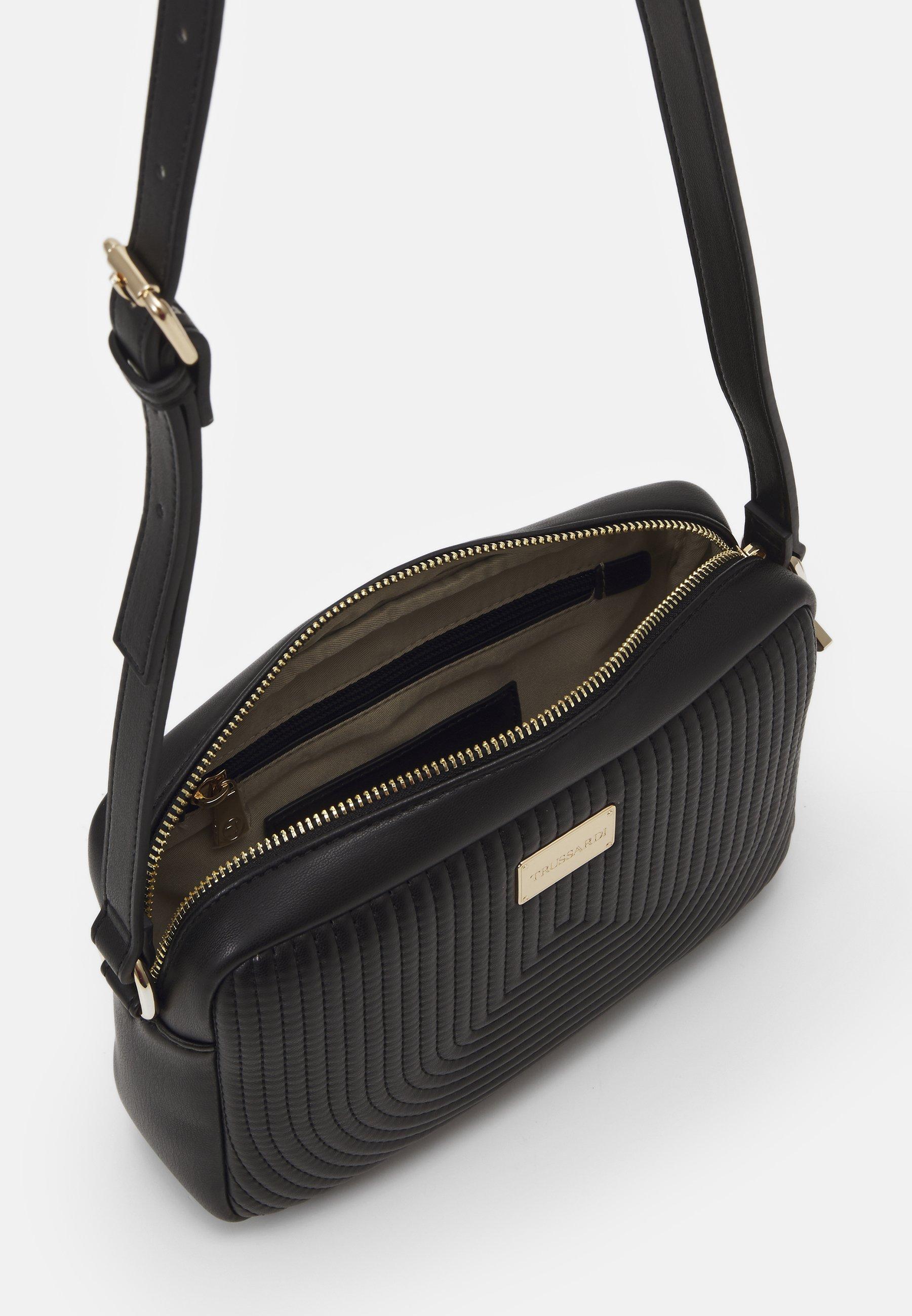 Trussardi Frida Quilted Camera Bag - Umhängetasche Black/schwarz