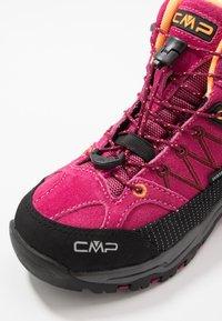 CMP - KIDS RIGEL MID SHOE WP UNISEX - Hiking shoes - bouganville/goji - 2