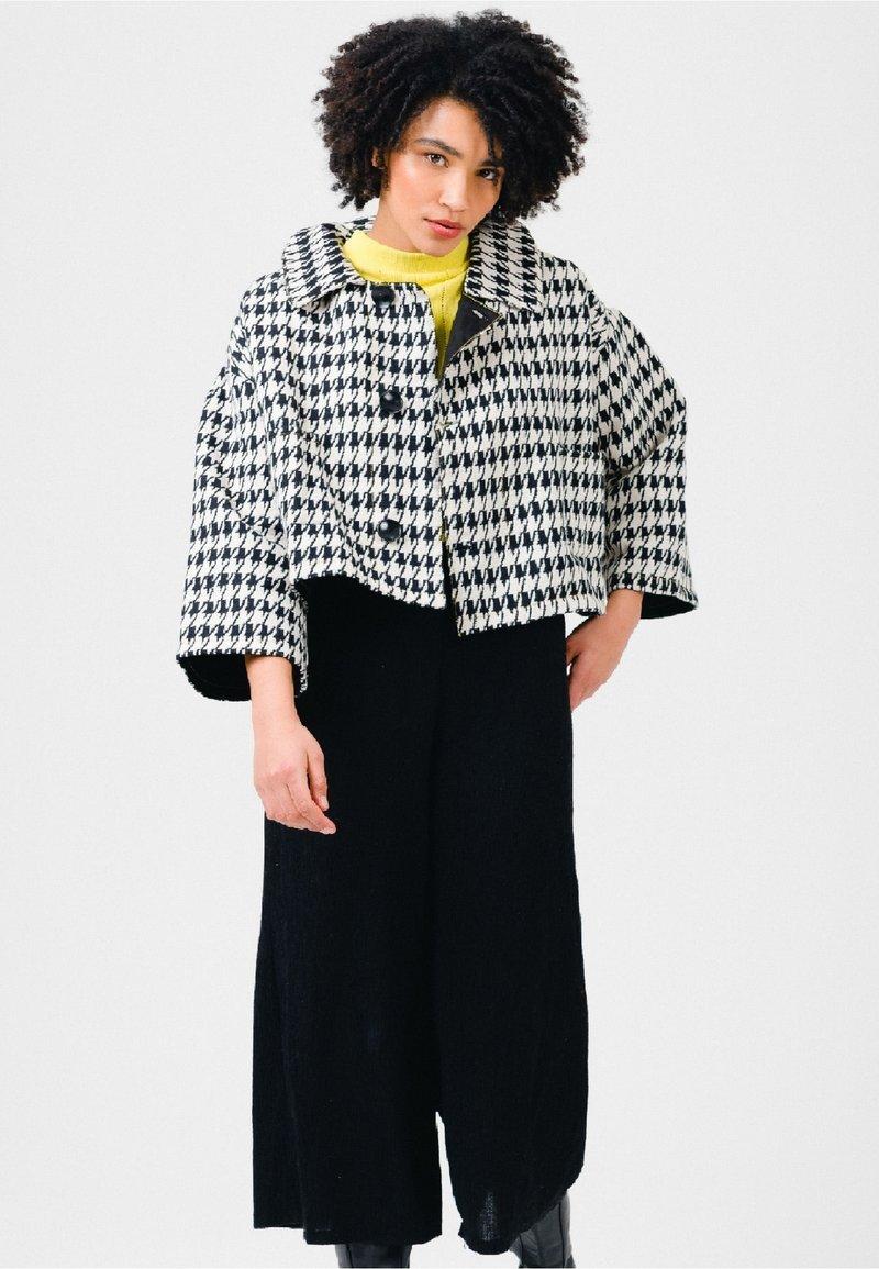 Solai - Summer jacket - black & white