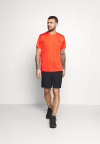 The North Face - MEN'S REAXION AMP CREW - Basic T-shirt - flare - 1