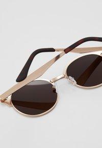 New Look - CLUB - Sluneční brýle - rose/gold-coloured - 2
