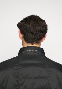 Hackett Aston Martin Racing - AMR LW QUILT RACER - Light jacket - black - 4
