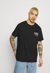 Brave Soul - FIERCE - T-shirt con stampa - black - 2