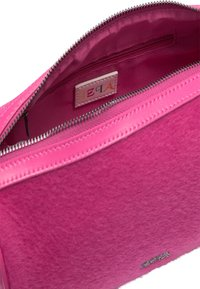 IZIA - Across body bag - pink - 3