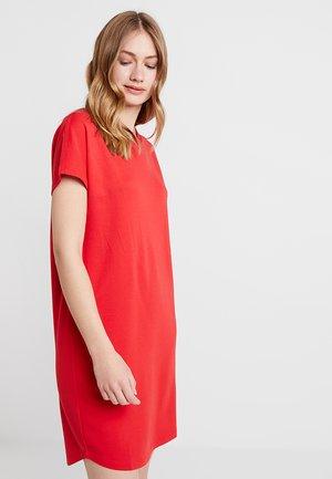 DRESS OVERCUT SHOULDER - Vestido ligero - fresh rose hip