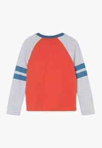 Frugi - ALFIE APPLIQUE - Langærmede T-shirts - orange - 1