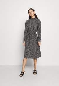 ONLY - ONLNOVA LUX SMOCK BELOW KNEE DRESS - Kjole - black - 0