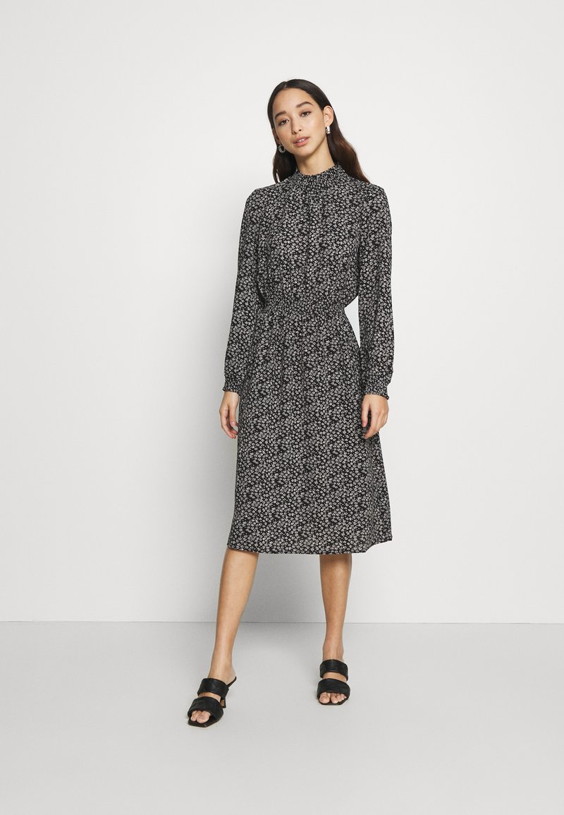ONLY - ONLNOVA LUX SMOCK BELOW KNEE DRESS - Kjole - black