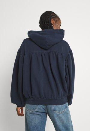 SHIRRING HOODIE - Sweatshirt - navy blazer