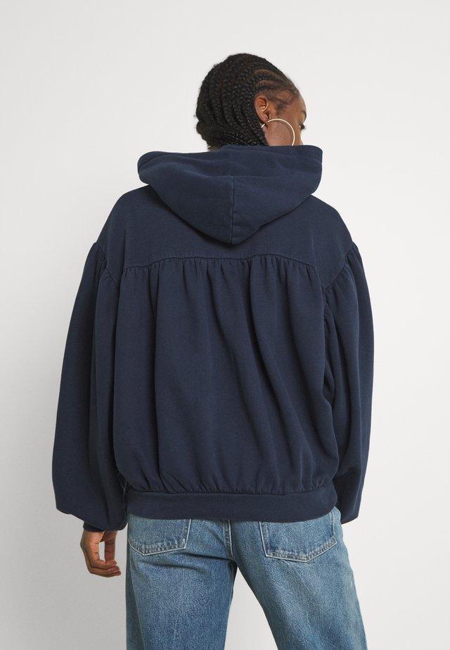 SHIRRING HOODIE - Sweater - navy blazer
