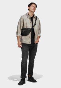 adidas Originals - R.Y.V. DENIM JACKET - Denim jacket - brown - 1