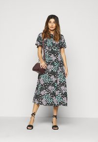 Dorothy Perkins Petite - DITSY EMPIRE SEAM MIDI DRESS - Kjole - black - 1