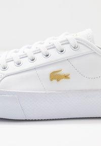 Lacoste - ZIANE PLUS GRAND - Trainers - white - 2