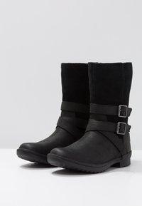 UGG - LORNA BOOT - Boots - black - 4