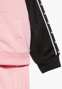Nike Sportswear - TRICOT TAPING SET - Trainingsanzug - pink - 3