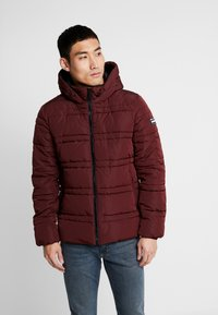 Scotch & Soda - CLASSIC HOODED PRIMALOFT JACKET - Vinterjacka - bordeaux - 0