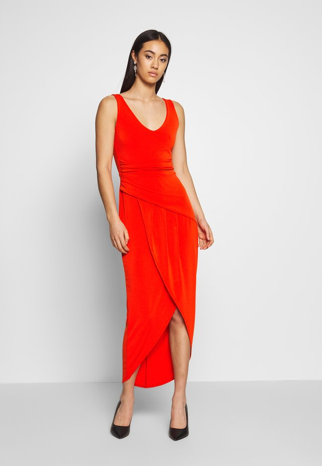 ROUND NECK PLEAT DEATIL MIDI DRESS - Sukienka koktajlowa - red