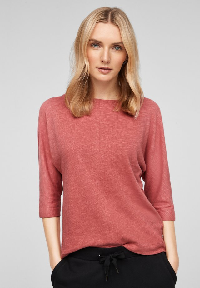 Long sleeved top - pale red
