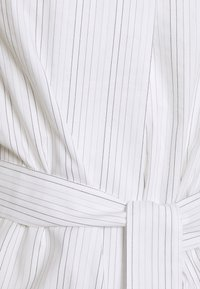 Lovechild - TOVA DRESS - Shirt dress - silver cloud - 2