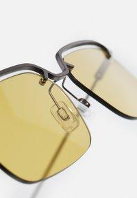 McQ Alexander McQueen - UNISEX - Sunglasses - yellow - 2