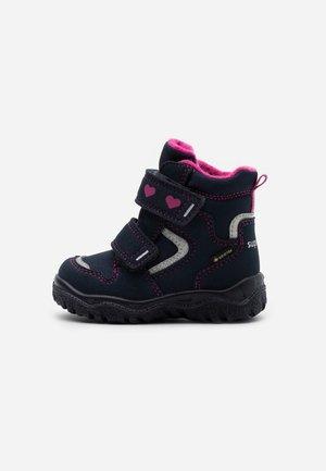HUSKY - Zimní obuv - blau/rosa