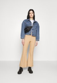 Levi's® Made & Crafted - SUNRAY TRUCKER - Denim jacket - sunshine - 1