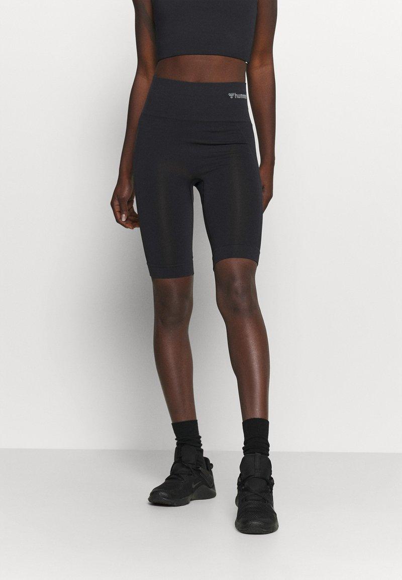 Hummel - SEAMLESS - Shorts - black