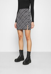 Even&Odd - Basic mini skirt with slit - Miniskjørt - black/multi-coloured - 0
