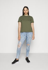 Pieces Curve - PCRIA FOLD UP SOLID TEE - Jednoduché triko - deep lichen green - 1